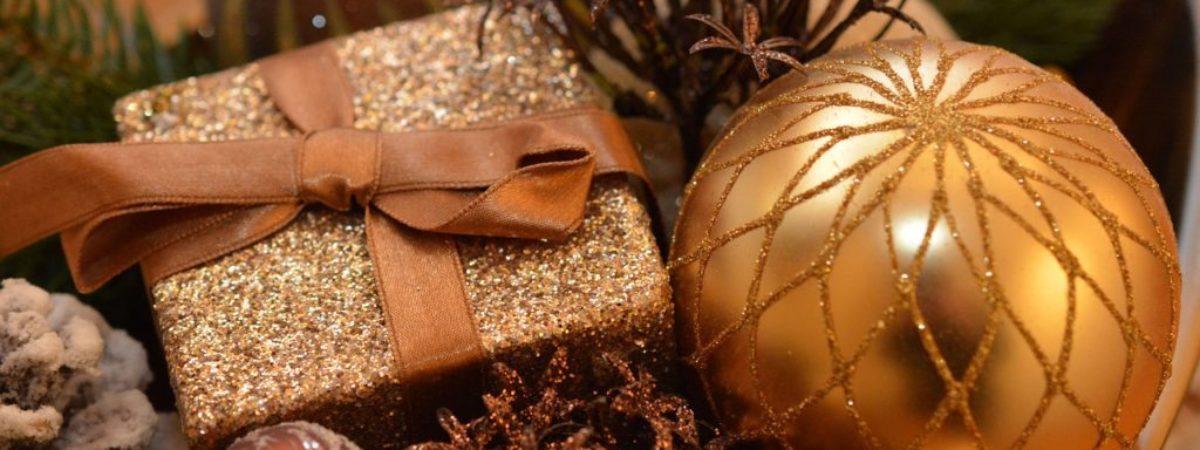 christmas-balls-1063070_1280